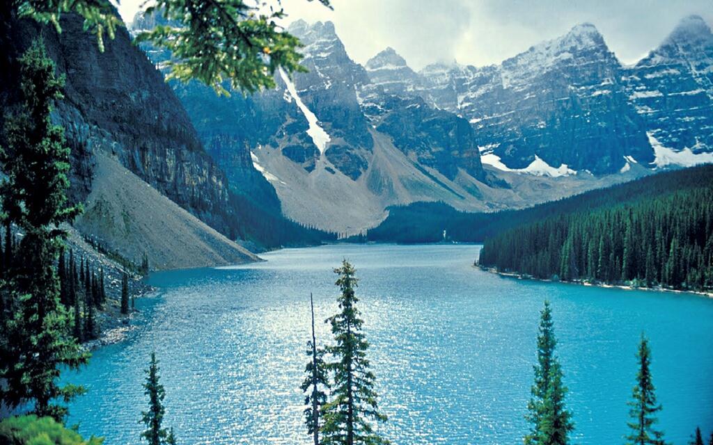 CHIÊM NGƯỠNG RẶNG NÚI ROCKY MOUNTAIN - CANADA